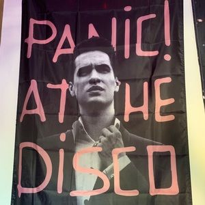 Hot Topic Accessories - Panic at the Disco Tapestry Flag Brendon Urie